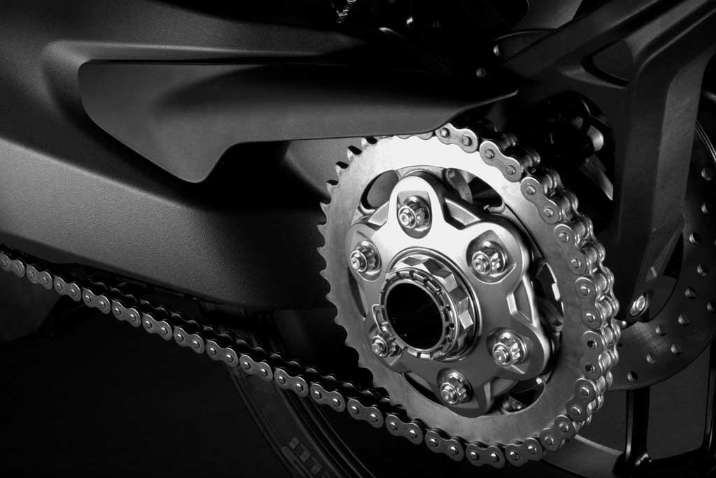 2014-Ducati-Monster-1200-Drive-Chain-View