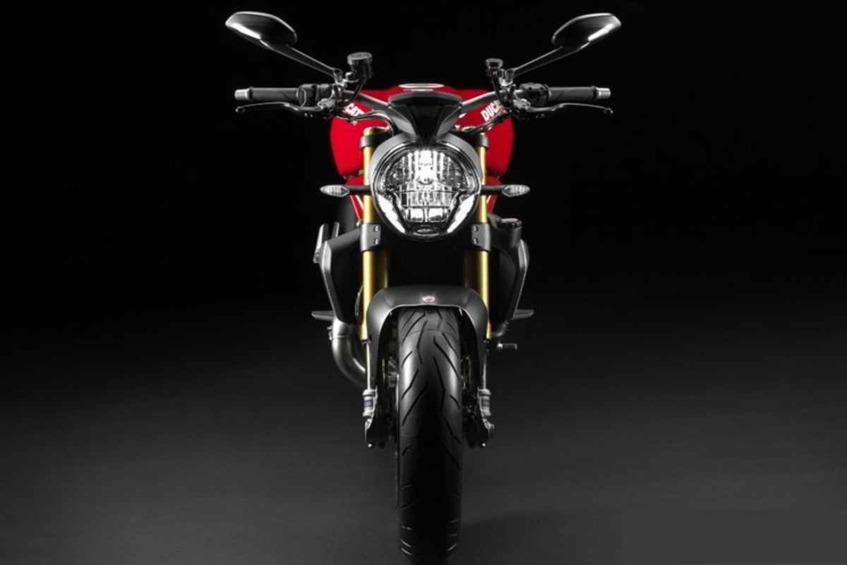 2014-Ducati-Monster-1200S-Front-Side