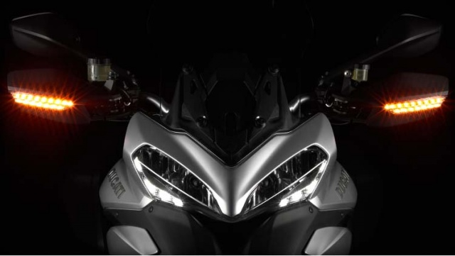 ducati_multistrada_1200_s_touring_headlamp_640x480