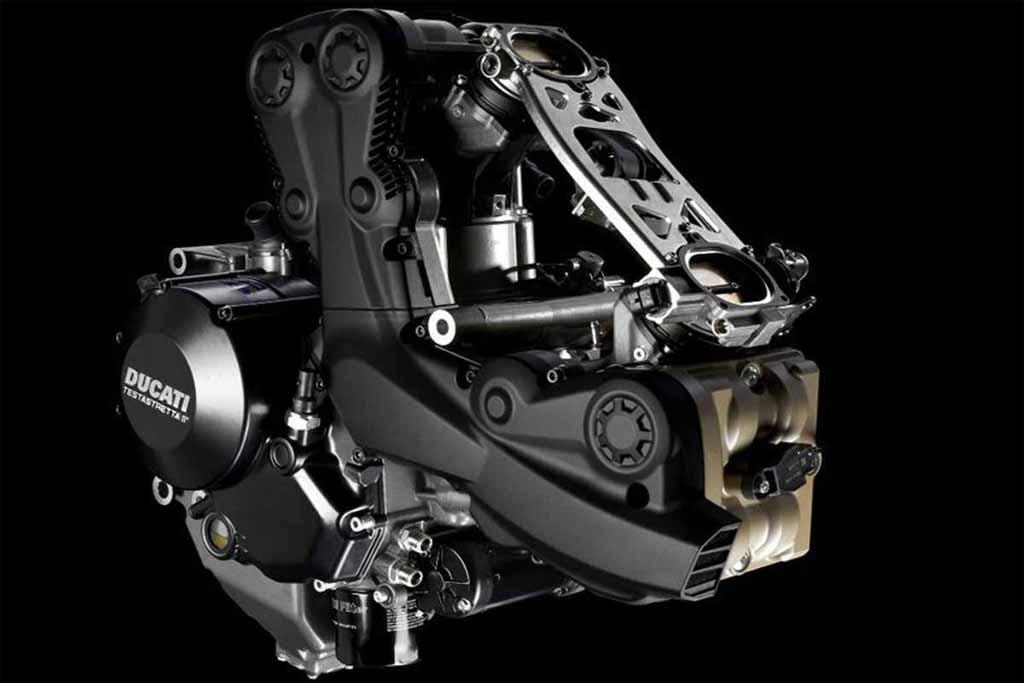 2014-Ducati-Streetfighter-848-Engine