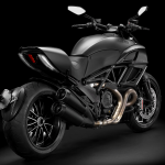 Diavel-Dark_2013_Studio_MB_D01_1920x1080.mediagallery_output_image_[1920x1080]