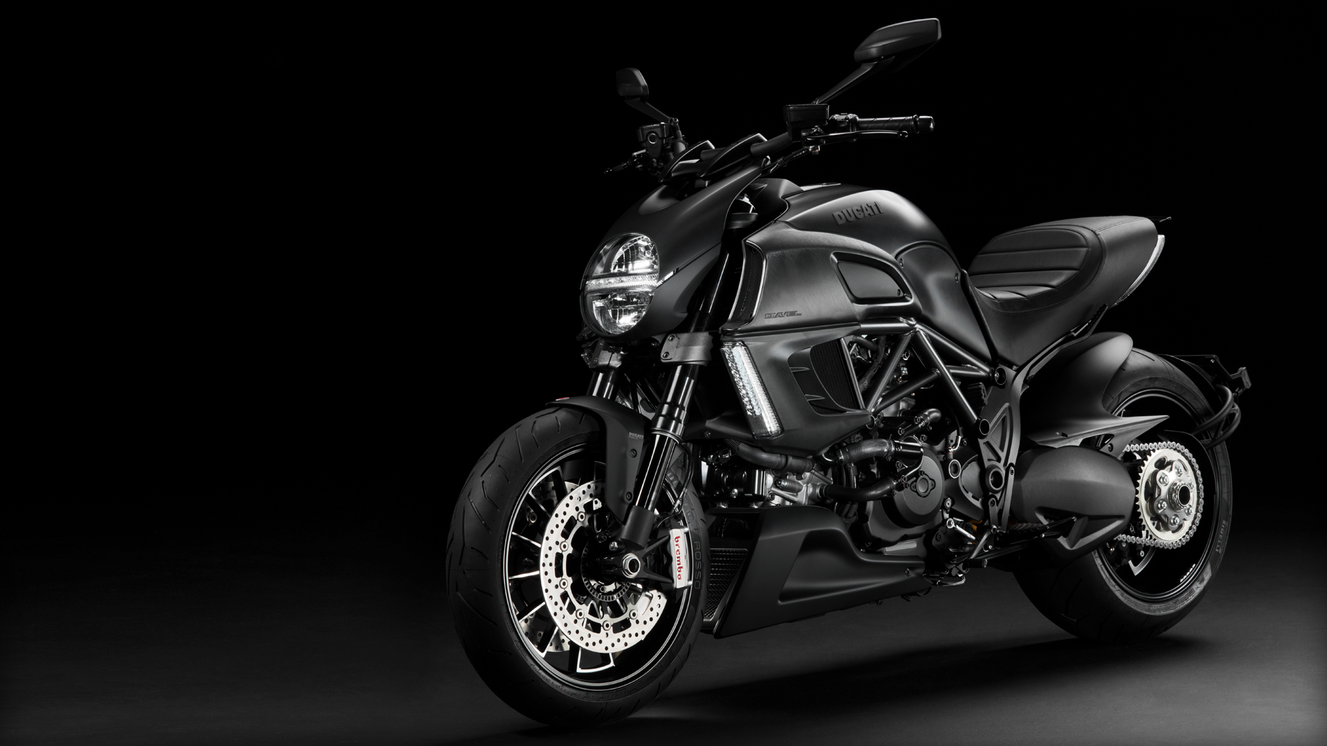 Diavel-Dark_2013