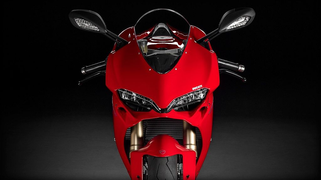 sbk-1299-panigale_2015_studio_r_a01_1920x1080-mediagallery_output_image_1920x1080