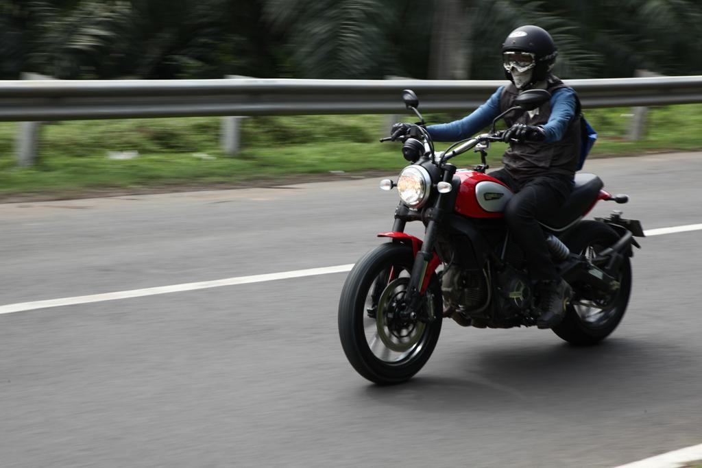 04062016-Moto-Ducati-Scrambler_03
