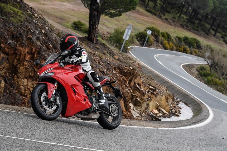 ducati-super-sport-939-test-2017-24